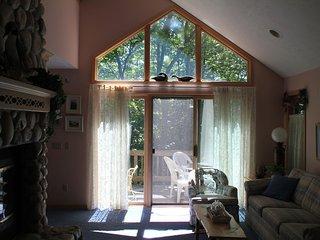 3 bedroom House with Deck in Glen Arbor - Glen Arbor vacation rentals