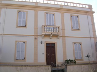 Palazzo Margherita, Imposing house typical village - Tresnuraghes vacation rentals