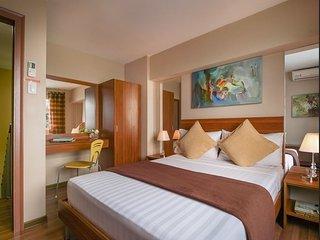 2 Bedroom Loft w 3 Beds - 6 - Manila vacation rentals