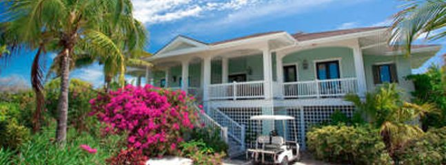 Gorgeous 3 Bedroom Villa in Fowl Cay - Staniel Cay vacation rentals