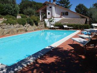 VILLA DEGLI ULIVI  TRASIMENO -LAKEVIEW- SWIMMING POOL- HOLIDAY RELAX - Passignano Sul Trasimeno vacation rentals