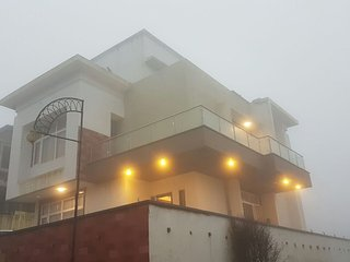 Spacious 4 bedroom Khandala House with Shared Outdoor Pool - Khandala vacation rentals