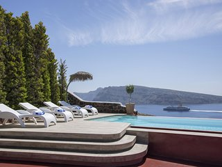 "Villa ""SWINGING SUNSET"" - Private Pool & Spa - Oia vacation rentals"