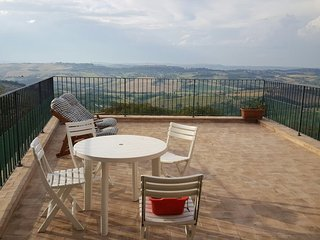 Perfect 4 bedroom Condo in Mogliano with Central Heating - Mogliano vacation rentals