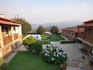 6 bedroom Lodge with Internet Access in Castelo de Paiva - Castelo de Paiva vacation rentals