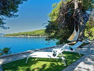Ultra Luxury waterfront Villa - Sumartin vacation rentals