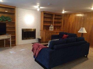Furnished 3-Bedroom Home at 8th Ave NE & NE 180th St Shoreline - Shoreline vacation rentals