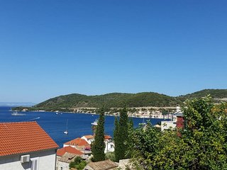 House with a beautiful view in the middle of town - Vis vacation rentals