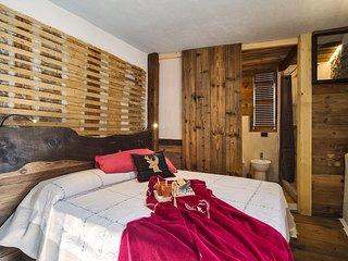 Maison La Saxe - Double Room 2 - Courmayeur vacation rentals