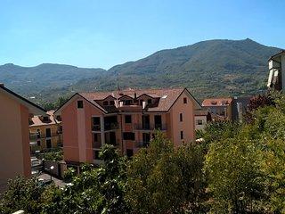 A CASA MIA  INTERO APPARTAMENTO  A 15 MIN. circa DA SALERNO - Giffoni Valle Piana vacation rentals