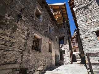 Maison La Saxe - Single Room - Courmayeur vacation rentals