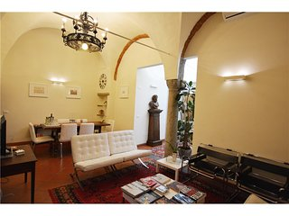 1138 HISTORICAL APARTMENT - Florence vacation rentals