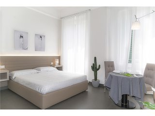 1146 SANT'AMBROGIO LUXURY STUDIO - Florence vacation rentals