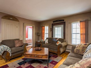 Charming Cottage with Internet Access and A/C - Medusa vacation rentals