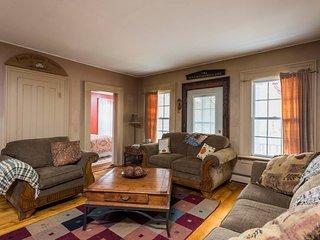 Charming 5 bedroom Medusa Cottage with Internet Access - Medusa vacation rentals