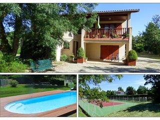 Villa indépendante avec tennis et piscine privèe - Nailloux vacation rentals