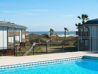 2 bedroom 2 bath condo in the heart of Port Aransas! - Port Aransas vacation rentals