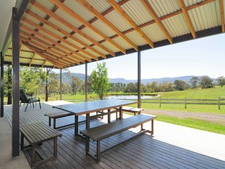 Nice 5 bedroom House in Kangaroo Valley with A/C - Kangaroo Valley vacation rentals