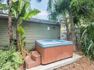 Ibis Suite - Private Hideaway w/ Shared Hot Tub & Grill. One Block from Duval - Key West vacation rentals