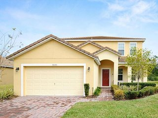 CALABRIA VILLA: Amazing 6 Bedroom pool home near Disney - Four Corners vacation rentals