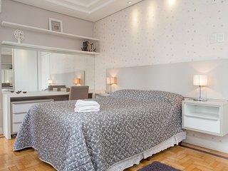 Apartamento Redenção - 2 Dormitórios - Porto Alegre vacation rentals