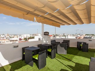 Superb shared terrace and central location, next to Alameda de Hércules - Seville vacation rentals