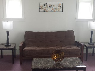 Cozy Condo with Internet Access and Satellite Or Cable TV - Chicago vacation rentals