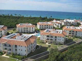 FAMILY APARTMENT IN OCEANFRONT RESORT - RADIOSO - Bayahibe vacation rentals