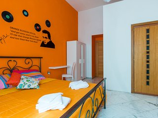 B&B Colori e Note - Napoli - Naples vacation rentals