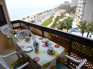 Beautiful 2 bedroom Alicante Apartment with Internet Access - Alicante vacation rentals