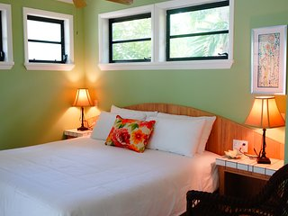 Cozy Grace Bay Studio rental with Housekeeping Included - Grace Bay vacation rentals