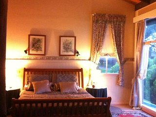 Goat and Goose Holiday House Accommodation - Lakes Entrance vacation rentals