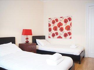 Comfortable 2 bedroom Condo in Dumbarton with Internet Access - Dumbarton vacation rentals