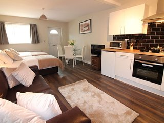 Perfect 1 bedroom House in Doncaster - Doncaster vacation rentals