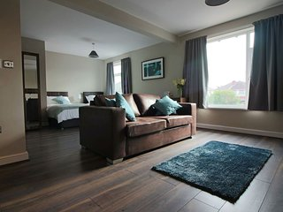 Beautiful Studio with Internet Access and Television - Doncaster vacation rentals