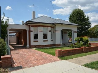 Stewart House - Central Albury - Albury vacation rentals