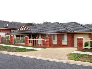 Lovely 2 bedroom Apartment in Albury with A/C - Albury vacation rentals