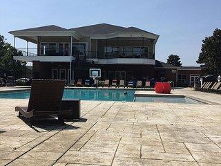 2BR/2BA Gameday Hq in Tuscaloosa - Tuscaloosa vacation rentals
