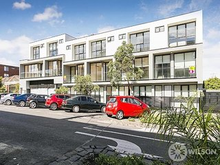 Domi on Hotham - 2 Bedroom townhouse - St Kilda East vacation rentals