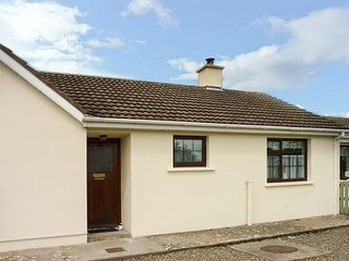 HOME FROM HOME AT MIDDLEQUARTER, all ground floor, romantic cottage, multi-fuel - Clonmel vacation rentals