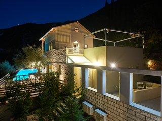 Arenaria L. Villlas complex - Villa Oeana - Lefkada Town vacation rentals