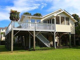 "602 Pompano St - ""Oconee Bell"" - Edisto Beach vacation rentals"