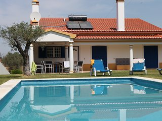 Nice Villa with Television and Central Heating - Salvaterra de Magos vacation rentals
