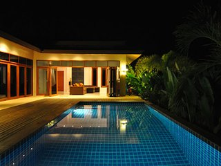 Whispering Palms - Set in the quiet coconut groves of Koh Phangan a short distance from Srithanu village and the beaches of Haad Chao Pao and Haad Yao - Koh Phangan vacation rentals