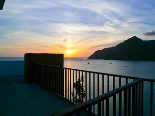 Baan Hin Ngam - Luxury 2 Bedroom Clifftop Seaview House For Rent in Chaloklam - Koh Phangan vacation rentals