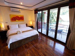 Island View Villa is a modern -  spacious 3 bedroom, 4 bathroom villa - Koh Phangan vacation rentals