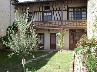Timber framed 17th century family house - Sos vacation rentals