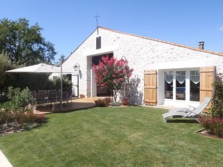 Gîte avec piscine chauffée Les Sables d'Olonne - Saint-Mathurin vacation rentals