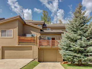 Charming bear-themed home w/ hot tub, fitness center, & pool access! - Park City vacation rentals