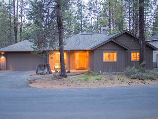 3 bedroom House with Internet Access in Sunriver - Sunriver vacation rentals